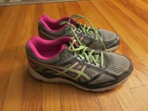 Womens Gel Foundation Asics Running Shoes  Size 8.5 Wide
