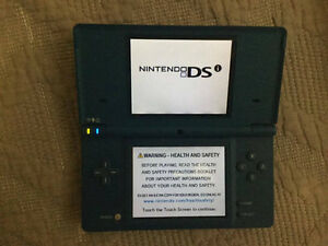 Nintendo DSi w/camera and games, no charger