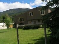 Family Home on 1/2 acre 10 minutes to Sun Peaks Resort