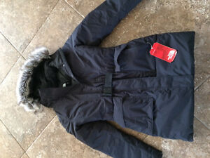 North Face winter coat New. Size amall