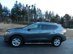 2016 Nissan Rogue SV AWD Technology pkg , Nav, Sunroof, Etc