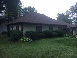 2.5 Bedroom House Steps from Puslinch Lake (6-8 Month Lease)