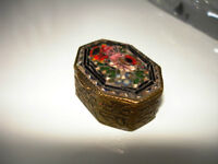 MICROMOSAIC Italian SNUFF PILLBOX repousse BLACK BACKGROUND