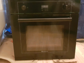 HOTPOINT BUILT IN GAS OVEN