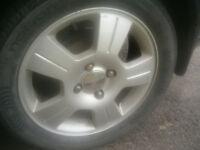 les pneus sur ford focus 205-50r16