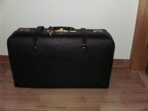 VINTAGE SUITCASE...made in Amherst