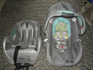 Graco Snugride Connect Infant Car Seat