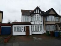 7 bedroom house in Kenton Park Crescent, Kenton, HA3