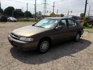 98 NISSAN ALTIMA GXE ★ ONLY 127,000KM ★ SUPER DEAL ★
