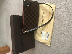 Authentic Louis Vuitton pochette
