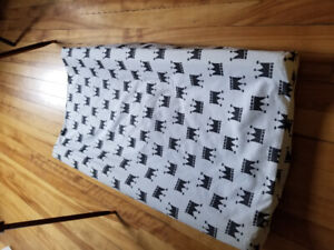 Change table pad and high end fitted sheet cover never used