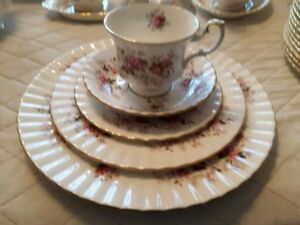 ROYAL ALBERT CHINA (LAVENDER ROSE)