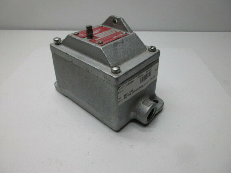 CROUSE HINDS EFS1129 EXPLOSION PROOF SNAP SWITCH * NEW *