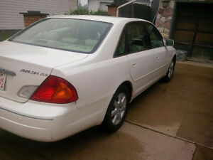 2000 Toyota Avalon Sedan