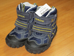 """Boys """"GEOX"""" Boot Style Shoes - Size 7 (Toddler) London Ontario image 1"""