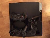 PS3 320gb + 3 pads + 18 games