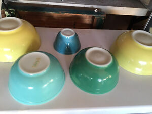 WANTED PYREX BOWLS AND DISHES