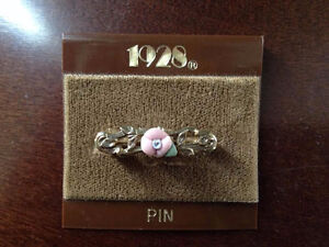 "Vintage ""1928"" Pin With Porcelain Flower"