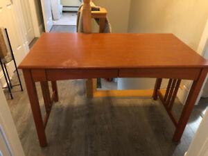 Beautiful wood veneer cherry wood desk.