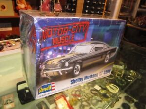 SHELBY MUSTANG GT Scale 1:25 By REVELL SEALED!!
