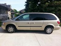 2005 Dodge Caravan low km's