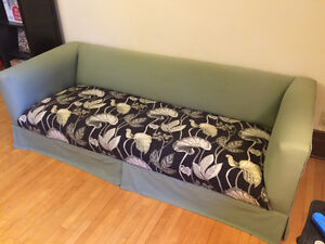 Free couch!  Sofa gratuit!