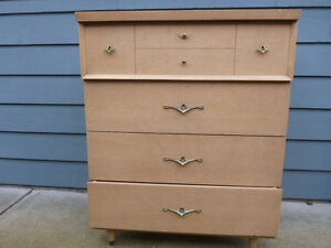Mid century modern Chest of Drawers, $65