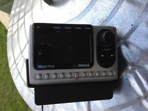 Audiovox sirious radio with charger mount