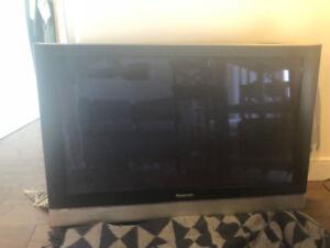 Panasonic TV with Wall Mount