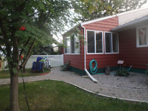 Rental in Gimli Mb Lots of Parking