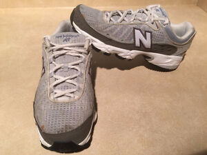 Women's New Balance AT Abzorb608 Running Shoes Size 7 London Ontario image 5