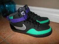 Brand New Boys 7Y Nike High Tops (Size 7 Youth)