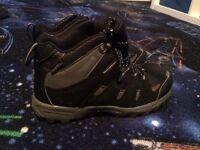 Almost new Regatta walking boots size 3