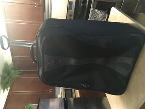 2 T-Tech By Tumi 27 Rolling Suitcase like new