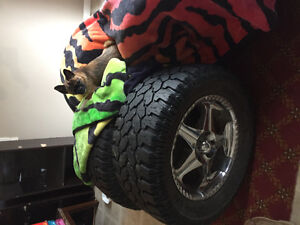 35 13.5 r 20 pro comp at tires and rims with snowflake 75%