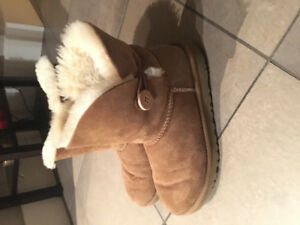 Bailey button Uggs