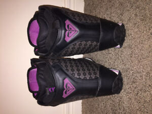 ROXY SNOWBOARD BOOTS