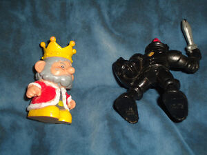 King and Knight Medieval set of 2!~Lot Kingston Kingston Area image 5