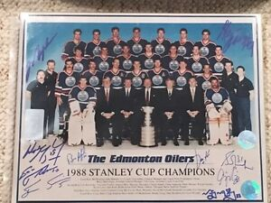 Oilers Team signed 8x10.