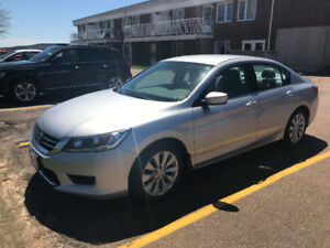2014 Honda Accord Sedan under 50 000 km!!  Great condition!