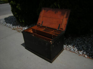 Vintage tool chest / coffee table or hope chest.