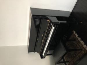 Yamaha Upright (U-I)  Polished Ebony Piano with matching  Bench
