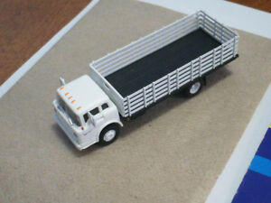 HO scale Ford Stake truck