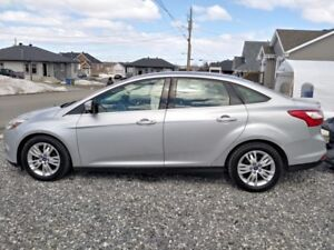 2012 FORD FOCUS SEL *** WOW! ***