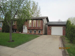 HOUSE FOR SALE IN NORTH BATTLEFORD