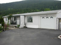 """CRESTON """"MOVE-IN-READY"""" HOUSE ON SCENIC LOT"""