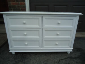 WHITE 6 DRAWER DOUBLE DRESSER - BED FRAME AVAILABLE