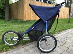 Jogging baby stroller / Poussette course à pied