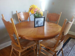 Dining room set 4 chairs