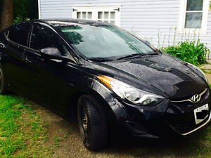 2013 Hyundai Elantra Sedan- Great condition / Low Km!!